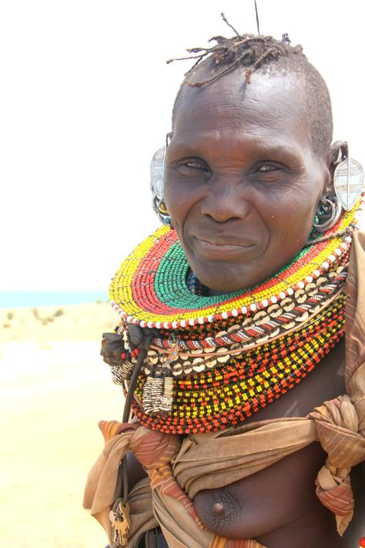 Turkana woman t4a